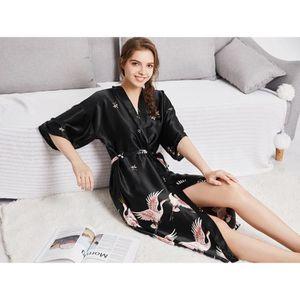 67fdcf070363c Femmes Pyjamas De Soie Ensemble De Vêtements Sexy Fille Dames Maison ...