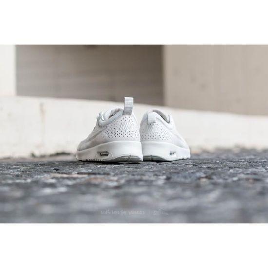 check out e99c5 0e424 Baskets Nike Air Max Thea Pinnacle Blanc Cassé - 839611-001. Blanc Blanc -  Achat   Vente basket - Cdiscount