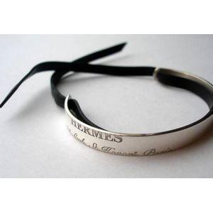 6228096c845 Bracelet Hermès Cartouche argent et Cuir - Achat   Vente bracelet ...