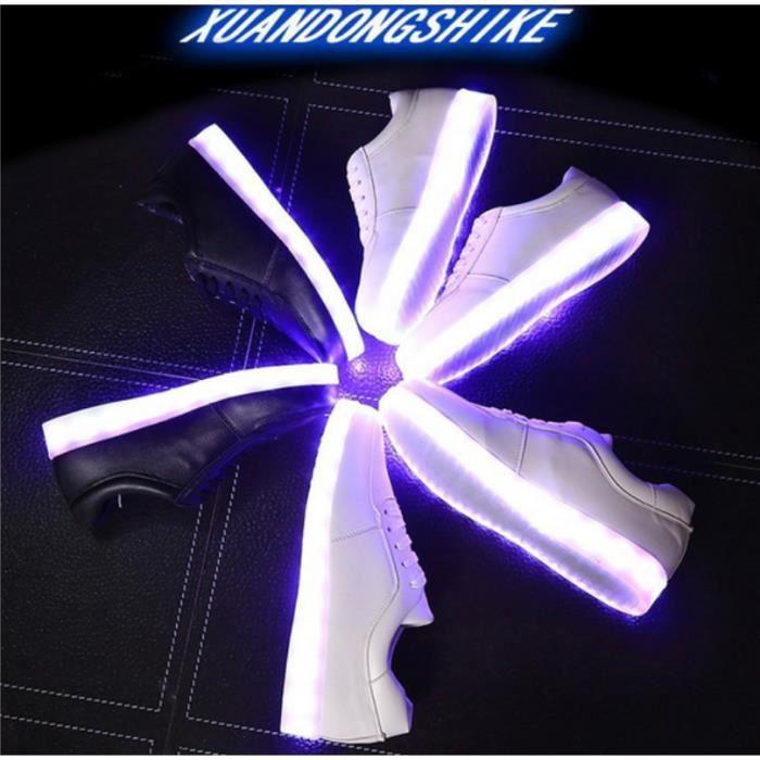 La nouvelle recharge USB LED Colorful chaussures plates chaussures de sport pour hommes et femmes, chaussures occasionnels LED