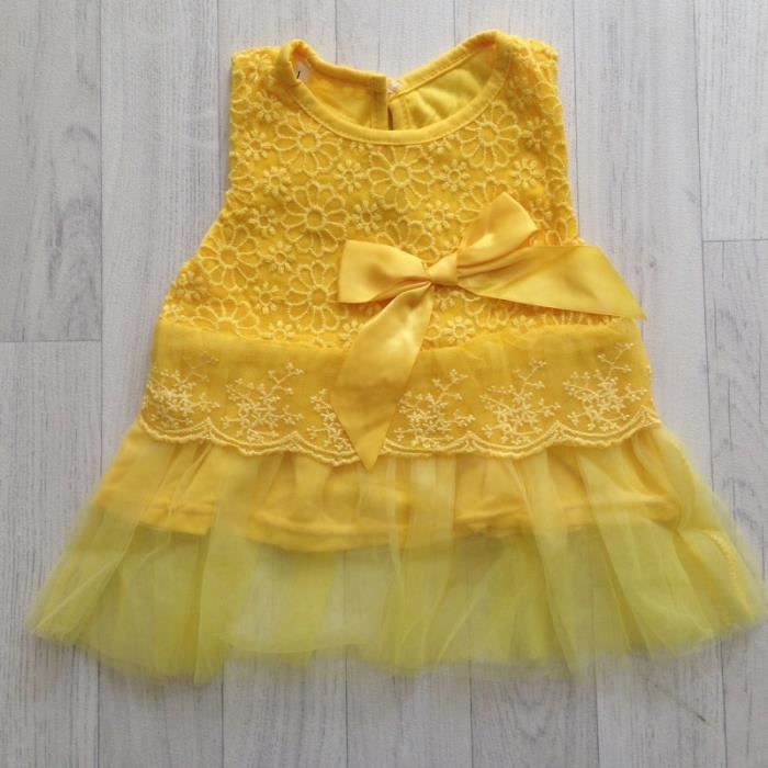 Robe dentelle et tulle, modèle jaune orangé