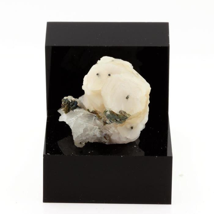 Pierre-Calcite sur Quartz. 261.6 cts. Yaogangxian, Hunan Province, Chine