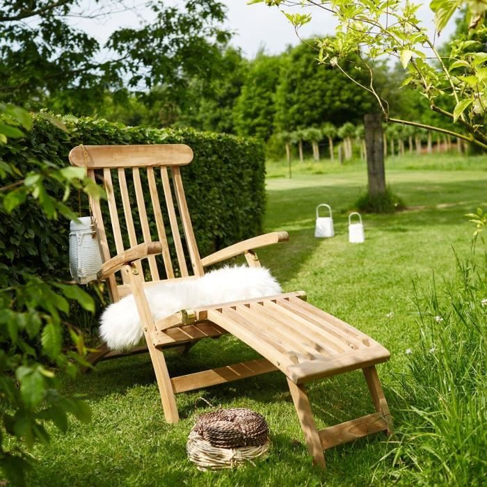 Haut of chaise longue teck table et chaises for Chaise longue teck