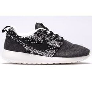 BASKET BASKET - NIKE ROSHE ONE WINTER 685286-001