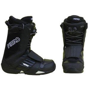 CHAUSSURES SNOWBOARD Boots de snowboard occasion Nitro noir et blanc.
