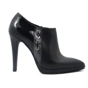 ESCARPIN Chaussure en peau lisse et noir brillant, la semel