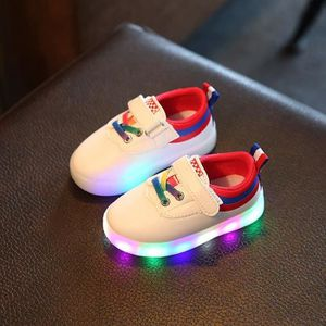 Led Kids Enfants Garçons Filles Light Up Sneakers Bébés Velcro Flat White Shoes dyKynYEa