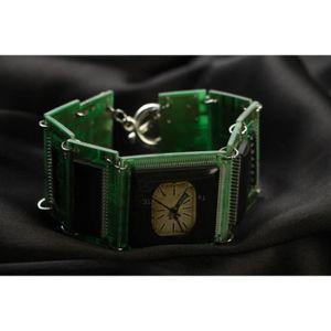 LIVRE SCIENCE FICTION Bracelet cyberpunk vert avec microcircuit . - Réfé