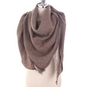 ... ECHARPE - FOULARD Écharpe douce en laine à manches longues pour femm. ‹› 46f22c12a5f