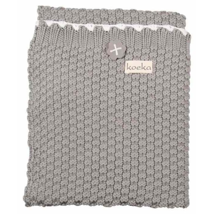 Plaid maille tricot cheap plaid en carrs de tricot bicolores comme un damier ou un patchwork - Couverture tricot grosse maille ...