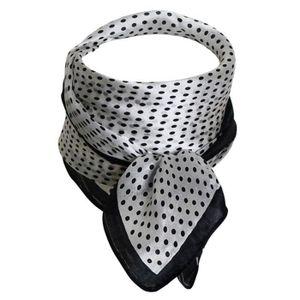 54328e6b552 ECHARPE - FOULARD Foulard carré 100% soie blanc pois noirs