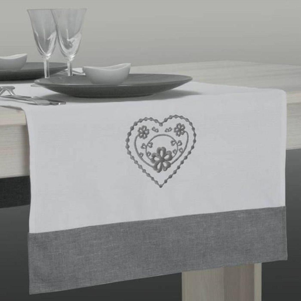 chemin de table chemin de table coeur brode 50cm x 140cm blanc