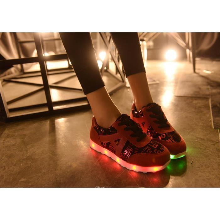 L'arrivée de nouveaux 7 Couleur rechargeables Chaussures Sport LED clignotantes Sneakers