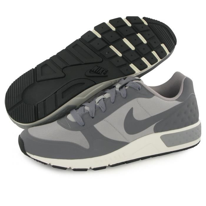 Nike Nightgazer Low gris, baskets mode homme
