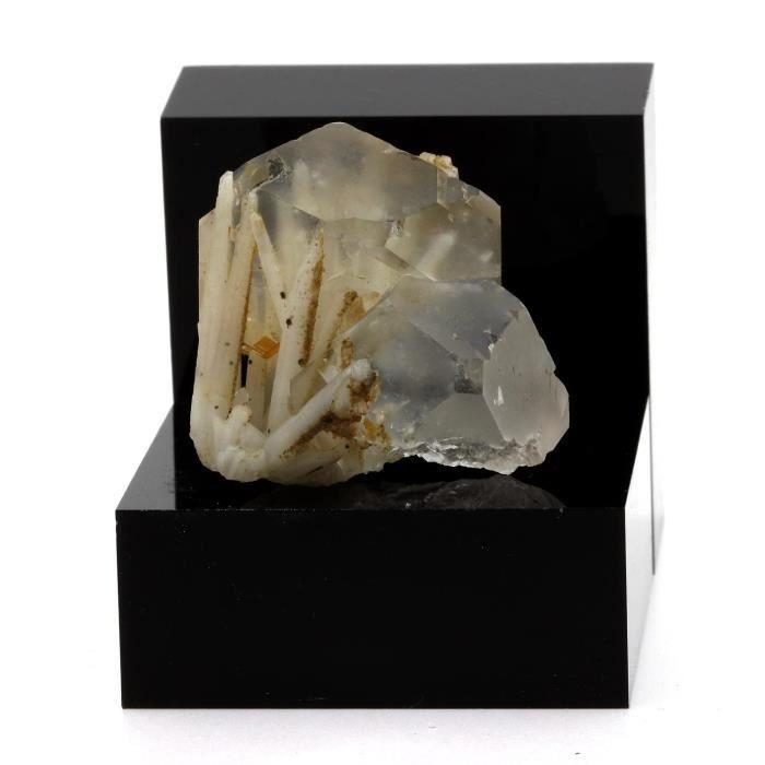 Pierre-Fluorite et Quartz. 260.3 cts. Dalnegorsk, Far-Eastern Region, Russie