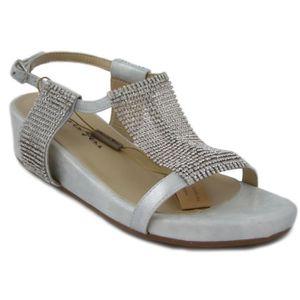 SANDALE - NU-PIEDS Alma en Pena. Sandale Jewel en faux cuir couleur a