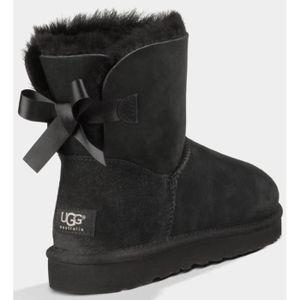Ugg Classic Australia Femmes Cuir Botte d hiver Noir Noir TU - Achat ... 1869c2face7