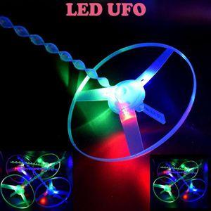 DRONE Drôle Pull coloré chaîne UFO LED Light Up soucoupe