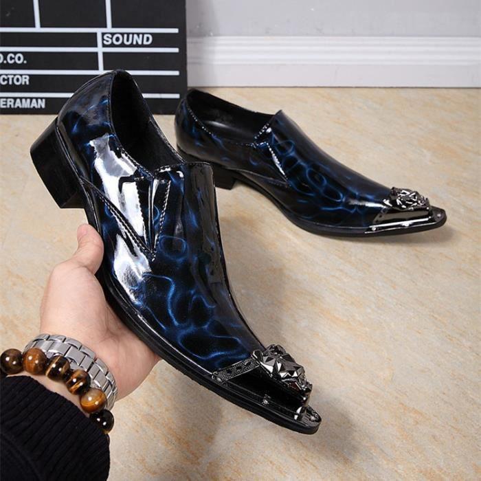 Les nouveaux hommes chaussures de mariage avec métal Pointy Slip orteil Homme Chaussure Chunky talon Hommes Robe Mocassins de