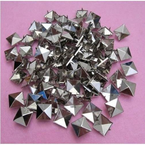 50 Rivet Clous de Customisation - Carré Pyramide Argenté - Achat ... c6f73c98538