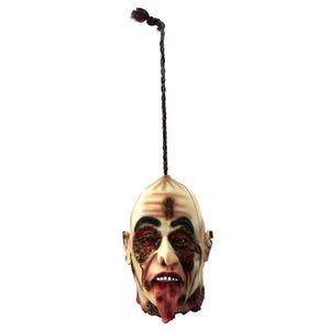 Déco de fête murale Une tête coupée à suspendre avec la langue qui pen