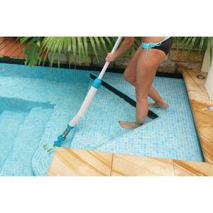 KOKIDO Aspirateur manuel Mano Vac pour spas, escaliers, goulottes de débordement et piscines hors-sol