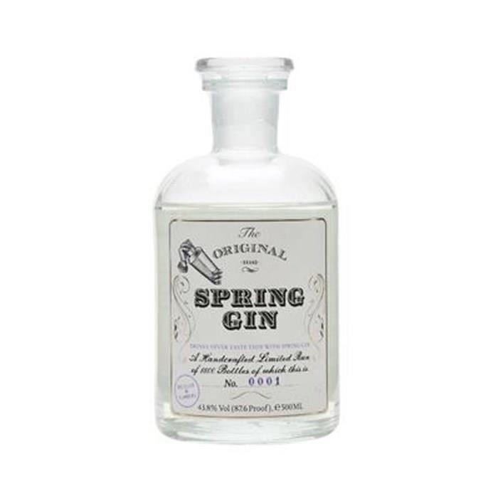 Gin très floral, à base de roses de printemps, avec une fraîcheur profonde offerte par les agrumes.GIN